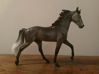 Traditional Breyer Model Horse Bluegrass Bandit