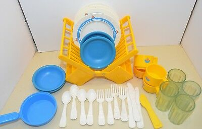 FISHER PRICE vintage FUN with FOOD Family Dish Set + Rack Dishes 1987 plates toy