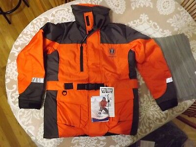 MUSTANG Integrity 2 piece floater suit new with tags