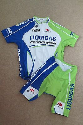 Men's Cycle Jersey & Shorts Size Medium to Large