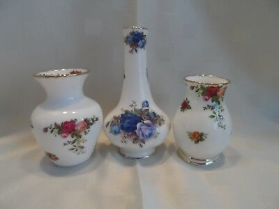 Royal Albert, Small Vases, 2 Old Country Roses, 1 Moonlight Rose.