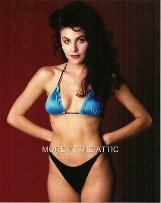 Sherilyn Fenn Shows Off Her Twin Peaks Sexy Hollywood Pinup Portrait Photo