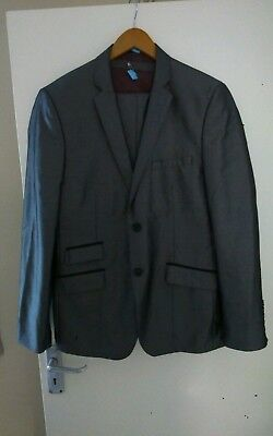 Taylor and reece mens 3 piece suit