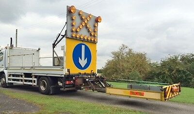 Mercedes Traffic Management Lorry / Traiload Crash Cushion