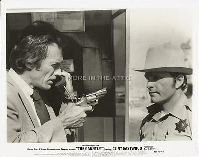 Clint Eastwood Trusts No One In The Gauntlet Original Vintage Film Still