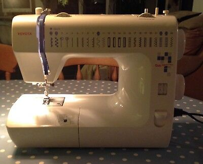 Quiltmaster Sewing Machine RS2000 - Toyota
