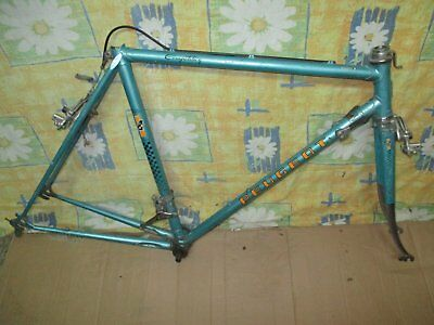 Cadre Reynolds velo course  PEUGEOT .. Taille 52