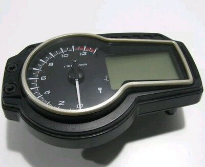 Suzuki GSR 750 Clocks Speedo Dash