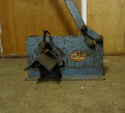 "Keetona Manual Angle Cropper 2 1/2"" x 2 1/2"" x 1/4"" capacity"