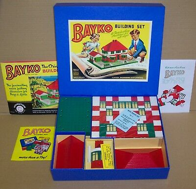 A MADE UP VINTAGE 1950s BAYKO BUILDING SET 1, WITH NEW REPRODUCTION BOX
