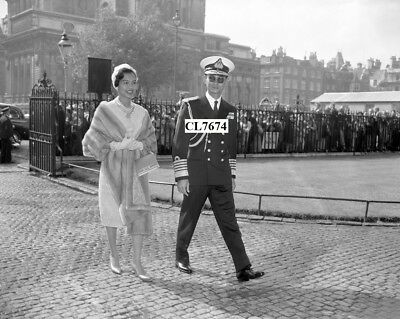 King Bhumibol Adulyadej and Queen Sirikit of Thailand at Westminster Abbey Photo