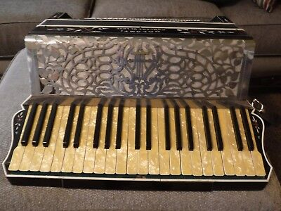 VINTAGE  Galanti Concert DeLuxe Accordion by Clark Music, Syracuse, NY w Case