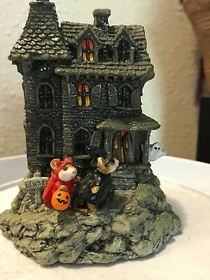 Wee Forest Folk  Haunted Mouse House Signed by Donna Petersen ,1989  M-165