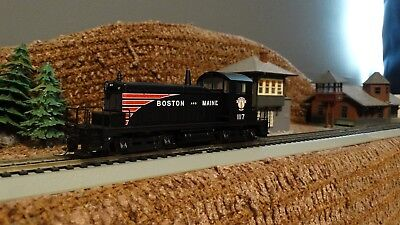 HO Scale Walthers  Boston & Maine SW-1 DCC Powered Switcher Locomotive  Lot