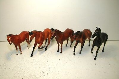 Traditional Breyer Race Horse Lot With 445 John Henry And 435 Secretariat