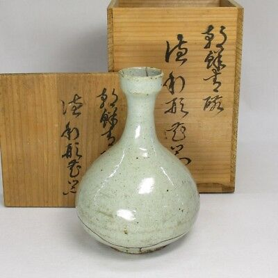 A074: REAL old Korean Joseon-Dynasty white porcelain vase of appropriate work