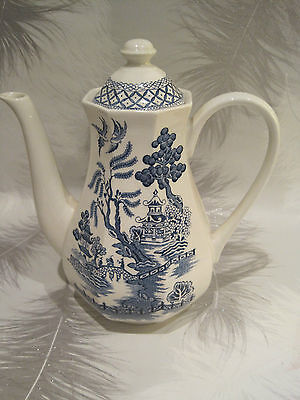 Large J&G Meakin Coffee pot, blue & white Willow Pattern   Lovely condition