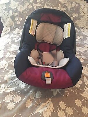 Chicco KeyFit 30 - Blackberry Infant Car Seat and Base