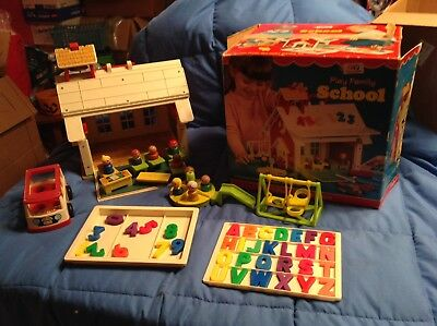 Vintage Fisher Price Little People 923 Play Family School House