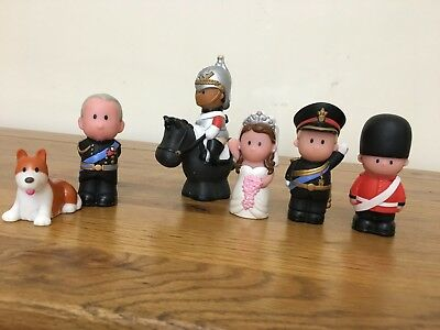 ELC Happyland Royal Wedding -William & Kate +Horse & Carriage+ Corgi & Soldiers