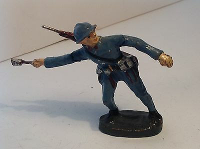 Elastolin French Infantry throwing a grenade.