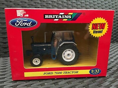 42416 Britains Ford 7600 tractor 1:32 scale boxed