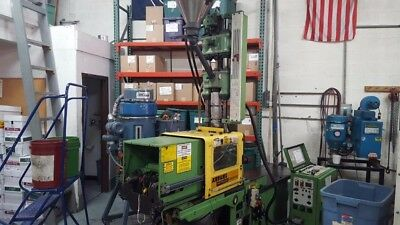 Arburg 28 Ton 1991 All rounder Plastech  Injection Molding Machine Running