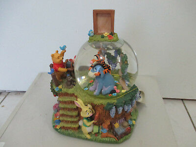Winnie the Pooh Picture Day Snowglobe Musical