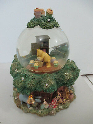 Winnie the Pooh Vintage Style Treehouse Snowglobe Musical