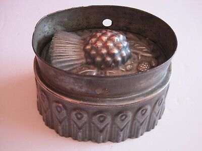 Antique Victorian copper and tin jelly mould - Scottish Thistle & leaves No.3