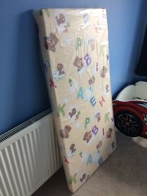 New Children's Foam Mattress 140x70 cm with removable zip cover