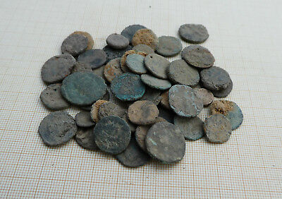 Lot of 50 ancient late Roman coins, uncleaned (L5)
