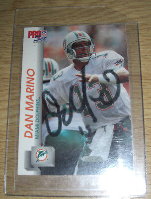 Dan Marino - NFL Legend Miami Dolphins - Signed/Autographed Trading Card