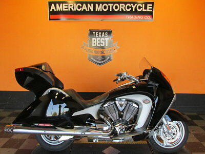 Victory Vision  2008 Victory Vision Tour Comfort - Heated Seats and Grips Power Windshield