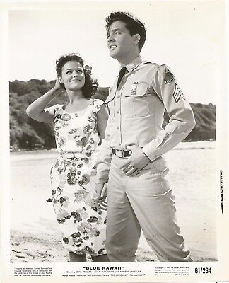 Wow! ELVIS PRESLEY 1961 BLUE HAWAII Movie Promo Photo at HANAUMA BAY on OAHU!
