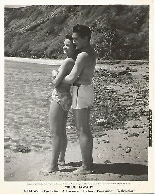 Wow ELVIS PRESLEY 1961 BLUE HAWAII Movie Promo Photo in Swimsuits at HANAUMA BAY