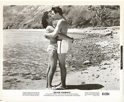ELVIS PRESLEY 1961 BLUE HAWAII Movie Promo Photo Swimsuits Kissing @ HANAUMA BAY