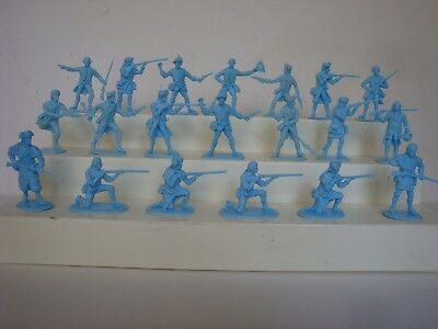 Accurate  Revolutionary War Colonials / 20 in all 15 Poses / HTF Powder Blue