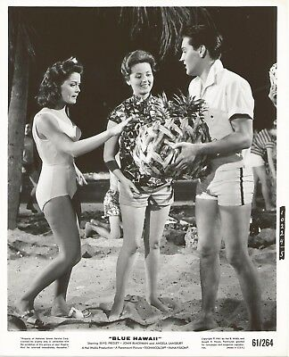 ELVIS PRESLEY 1961 BLUE HAWAII Movie Promo Photo Swimsuits w Basket of Fruits!