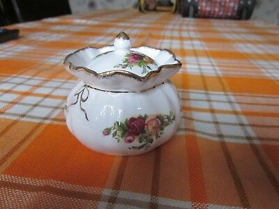 Royal Albert Old Country Roses Pair Bone China Dorothy Purse Trinket Box