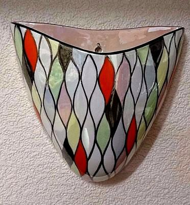 SUPERB Maling HARLEQUIN WALL POCKET 16cms tall, 17cms across