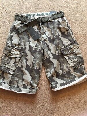 Men's Loyalty And Faith Camouflage Shorts Size 32 Waist