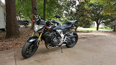 2011 Honda CB  2011 Honda CB1000 R reduced***