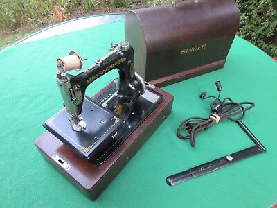 Rare Antique Singer Model 24 Sewing Machine with Bent Wood Case 1923 Portable