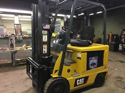 2011 Caterpillar 5000 Lb  Electric Forklift With Sideshift Triple Mast 5300 hr