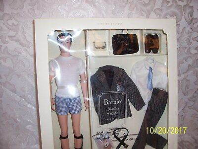 2002 Silkstone Ken Fashion Insider Gift Set Barbie Fashion Model Collection NRFB