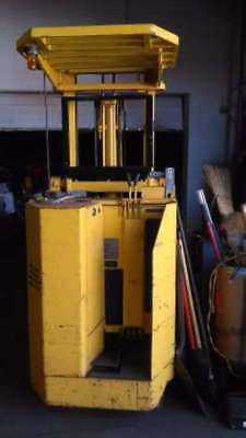 """Forklift """"reduced"""" -  """"nice"""" Allis-Chalmers - 4,000 Pd Capacity Stand Up Low Hrs"""