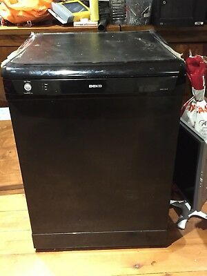 Beko DFC04210 - Dishwasher - Full size, great condition.