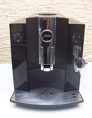 JURA  Impressa c9 one touch schwarz   Hot coffee if you love coffee.