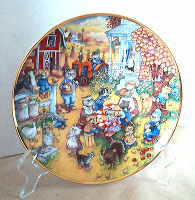A Purrfect Feast Decorative Plate by Bill Bell , Franklin Mint